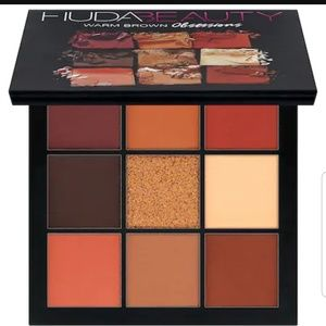 Huda beauty Obsessions in Warm Brown